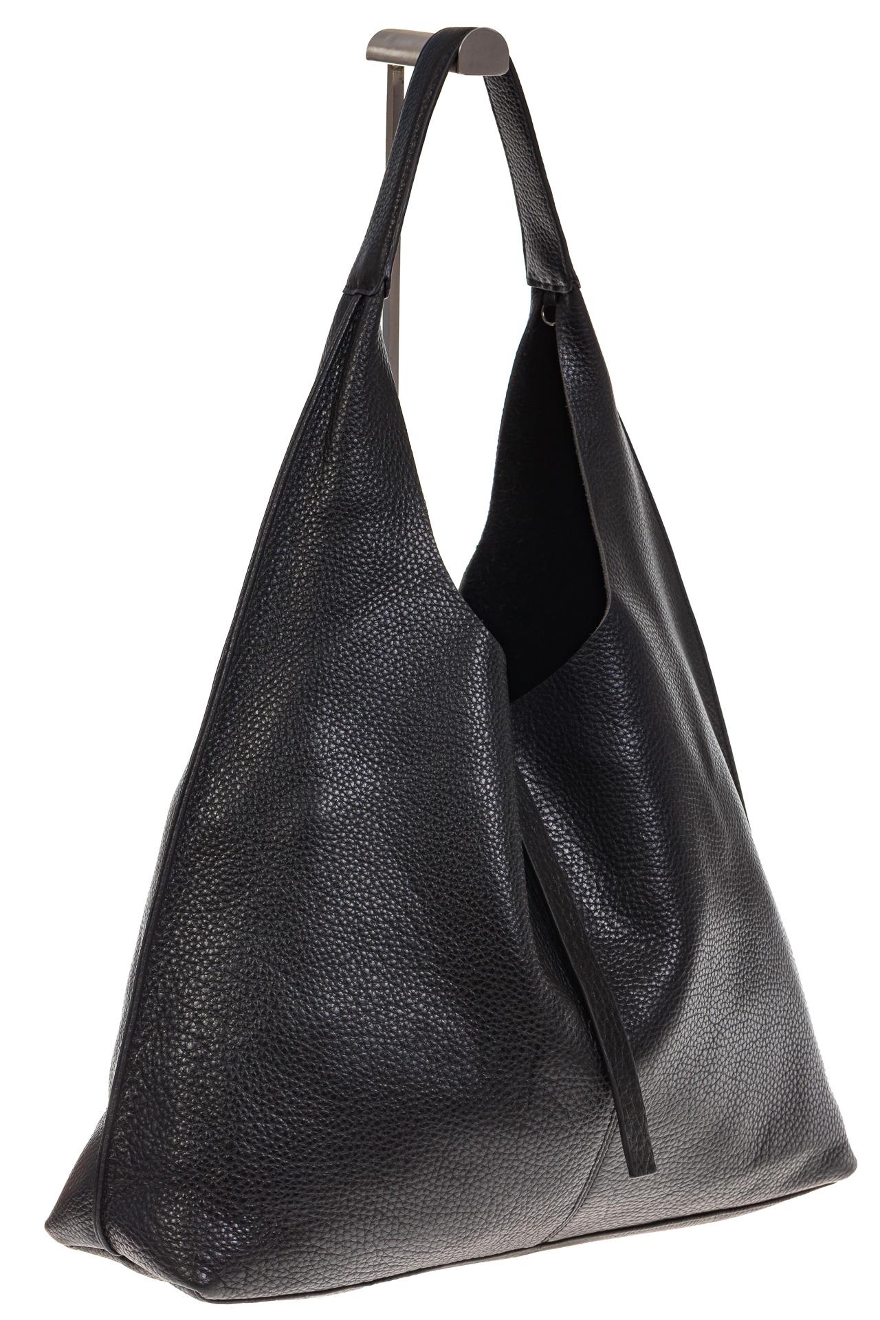 На фото 1 - Большая сумка хобо из натуральной кожи черного цвета