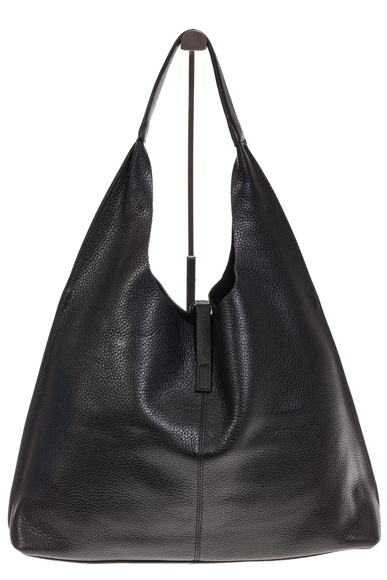 На фото 3 - Большая сумка хобо из натуральной кожи черного цвета