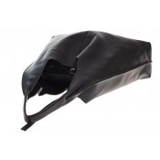 На фото 4 - Большая сумка хобо из натуральной кожи черного цвета