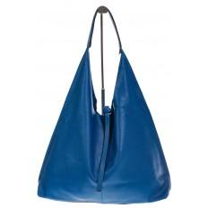 На фото 2 - Большая сумка хобо из натуральной кожи голубого цвета