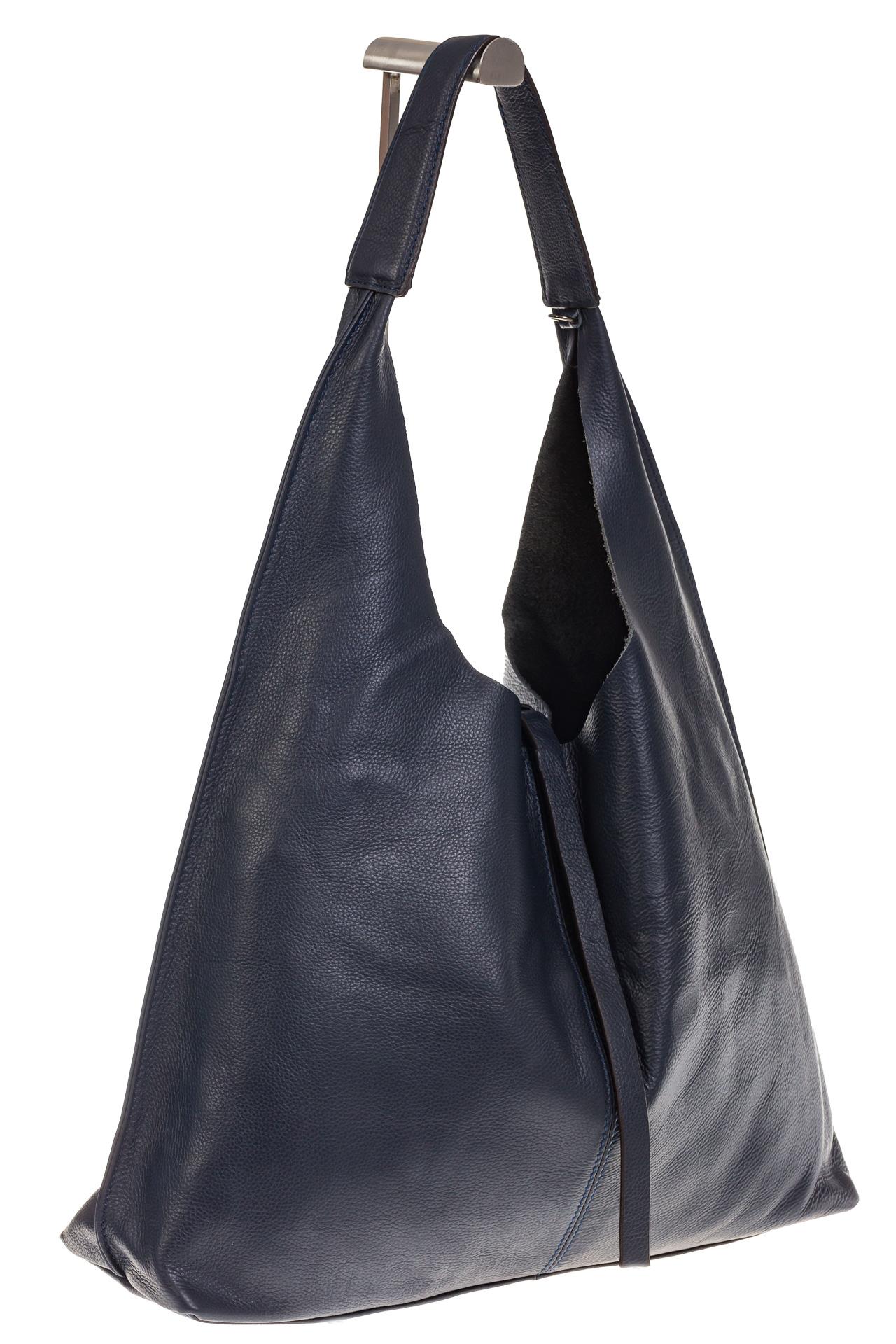 На фото 1 - Большая сумка хобо из натуральной кожи синего цвета