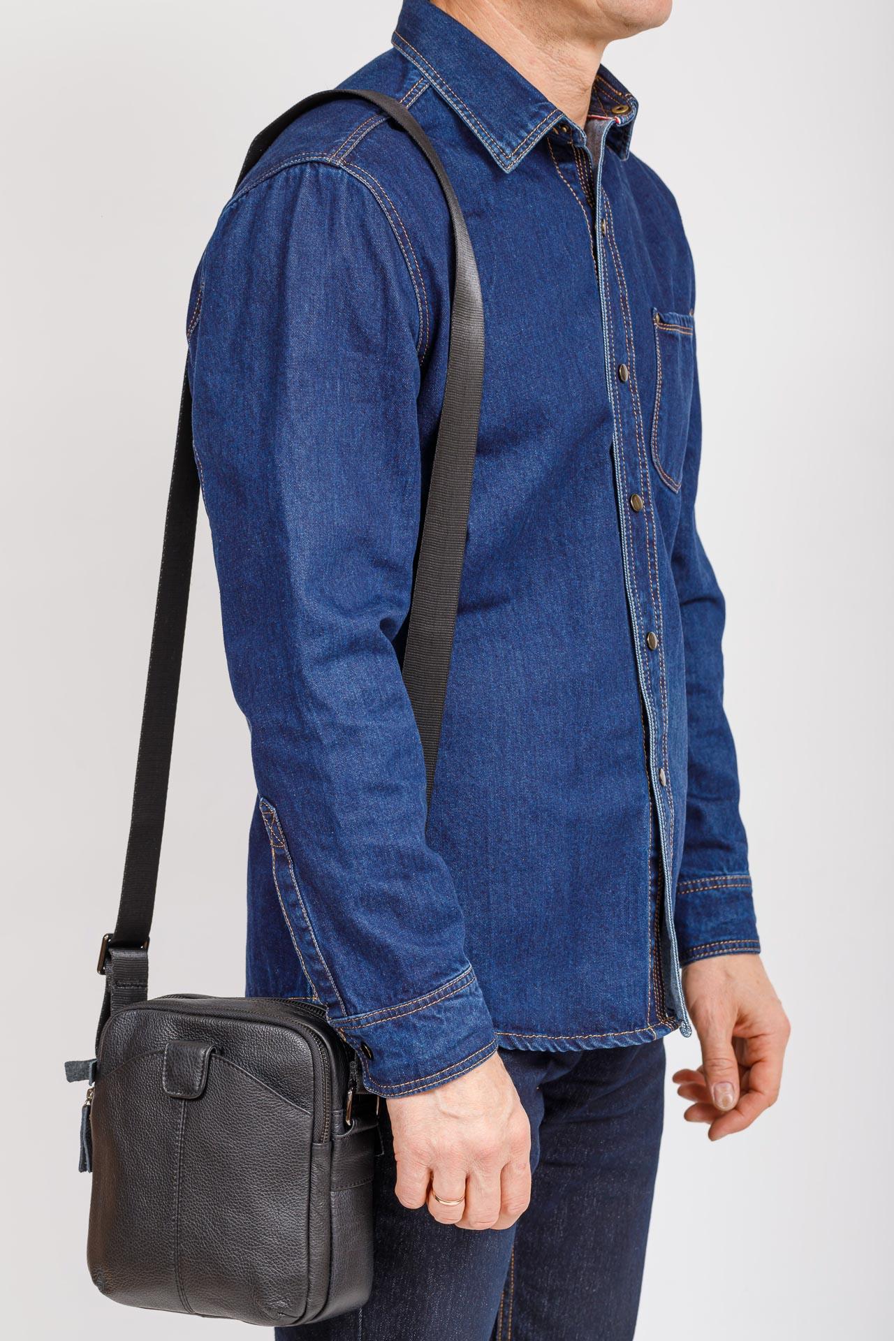 На фото 4 - Мужская сумка через плечо