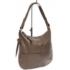 На фото 1 - Женская сумка хобо из натуральной кожи с асимметричными карманами, цвет какао