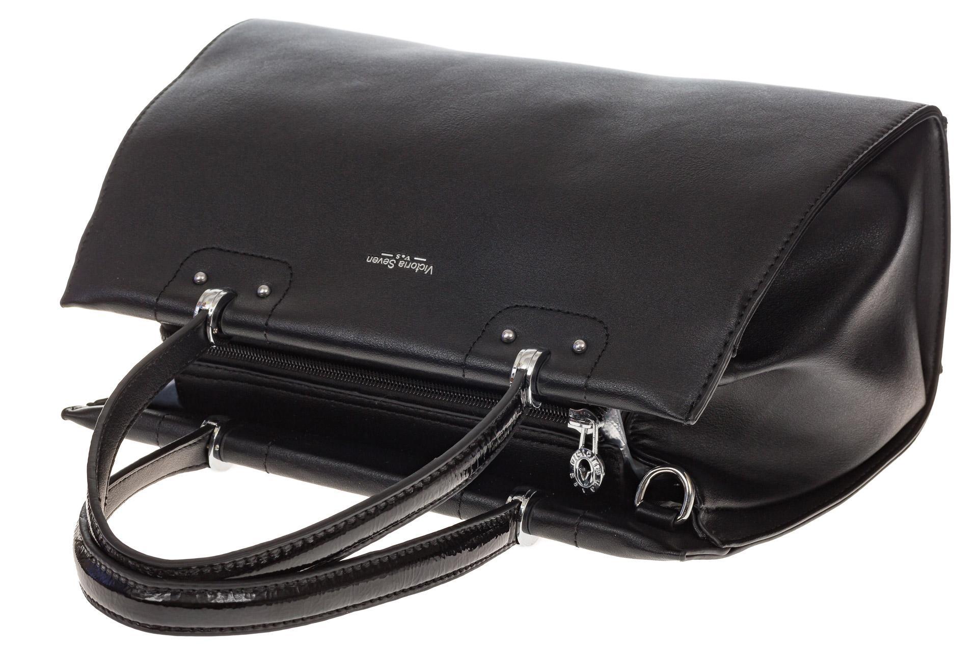 На фото 4 - Черная женская сумка из искусственной кожи