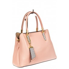 На фото 1 - Женская сумка-трапеция из кожзама с подвеской, цвет розовый