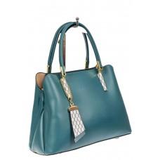 На фото 1 - Женская сумка-трапеция из кожзама с подвеской, цвет голубой