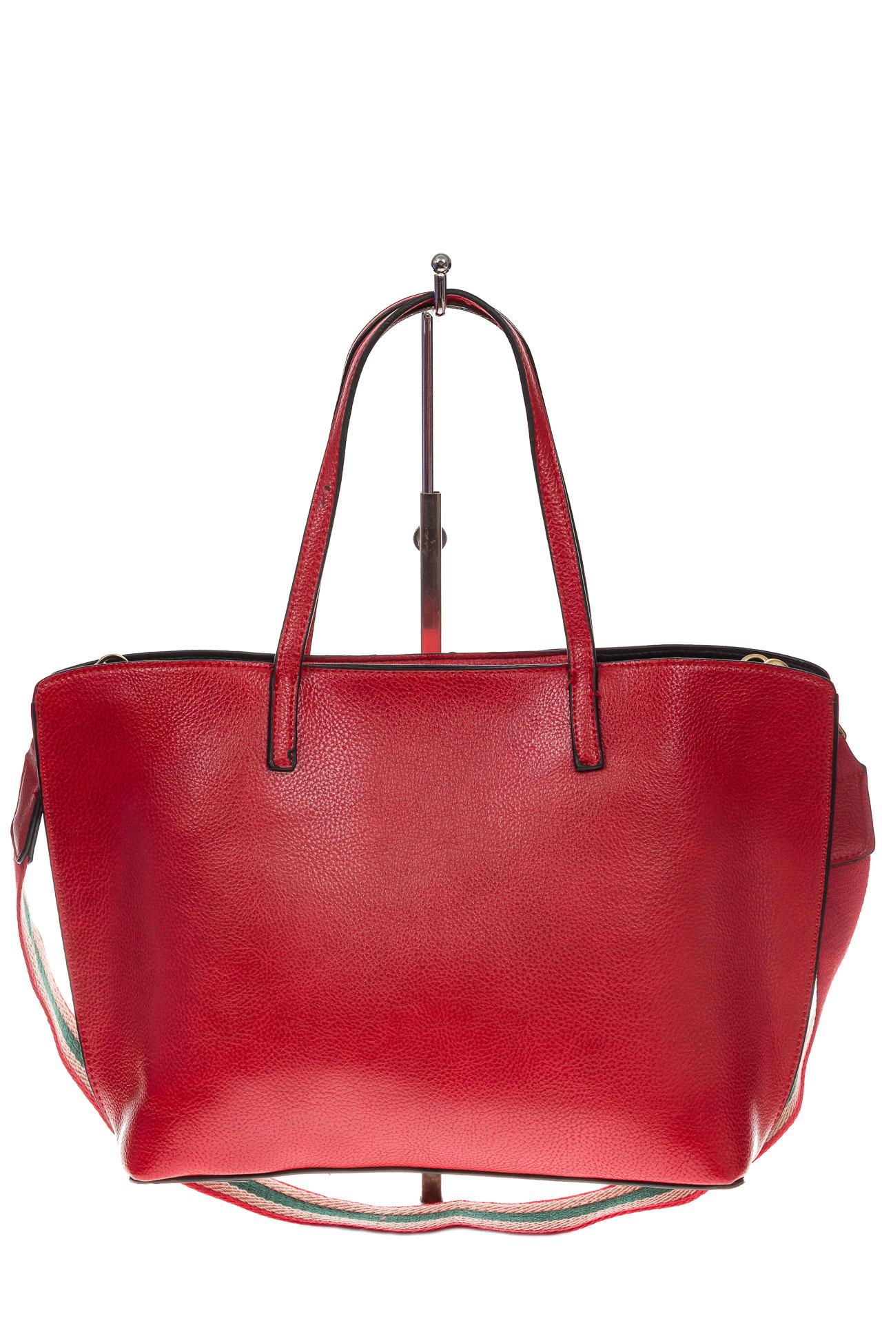 На фото 3 - Модный шоппер из искусственной кожи, цвет красный