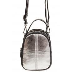 На фото 2 - Маленькая сумочка из серебристой искусственной кожи