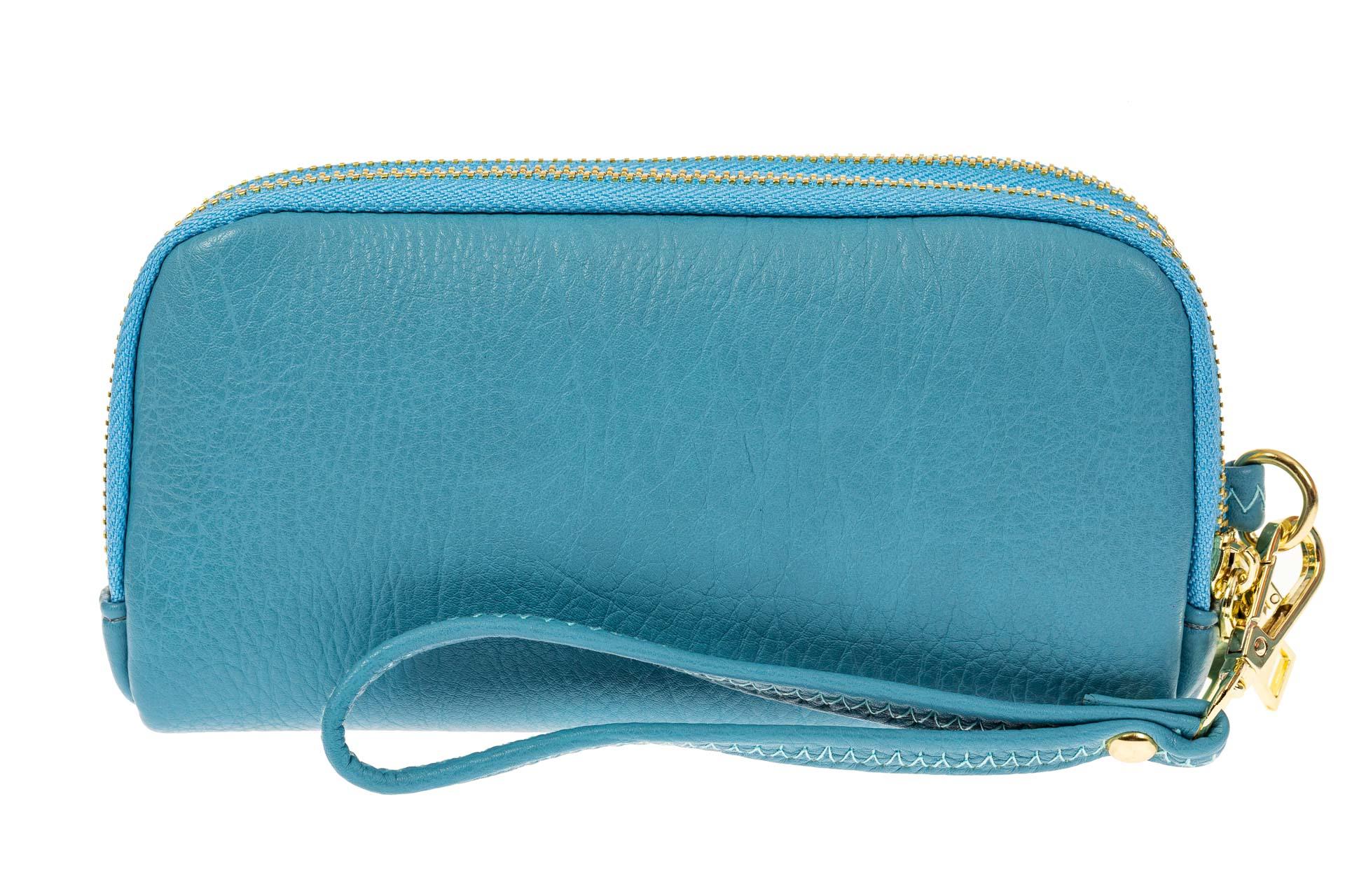 На фото 1 - Женский кошелек-клатч из искусственной кожи, цвет голубой