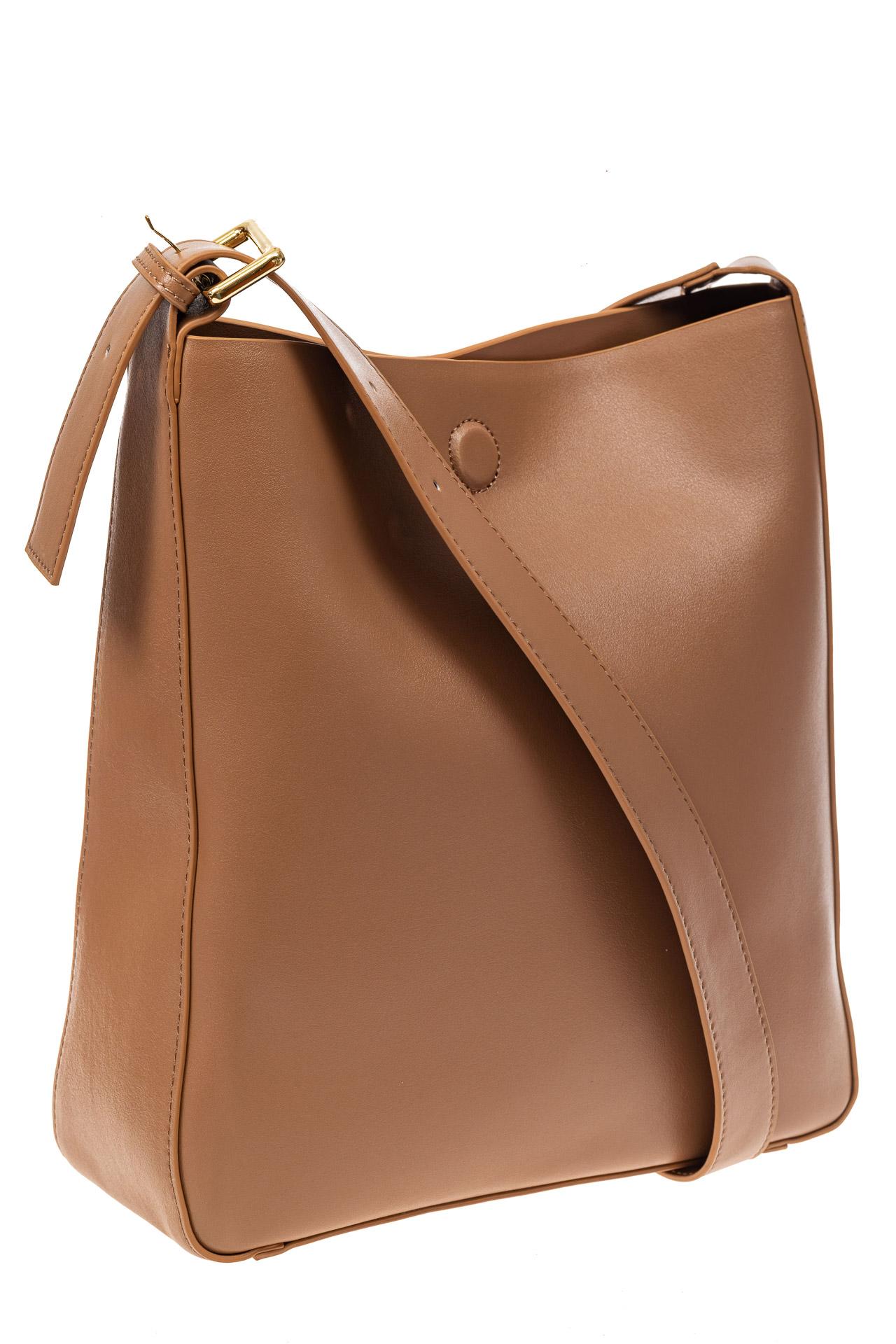 На фото 1 - Женская сумка-пакет из натуральной кожи, цвет бежевый