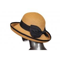 На фото 1 - Соломенная летняя шляпка коричневого цвета с бантом