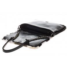 На фото 4 - Женская сумка flap из натурального меха, серый мультицвет