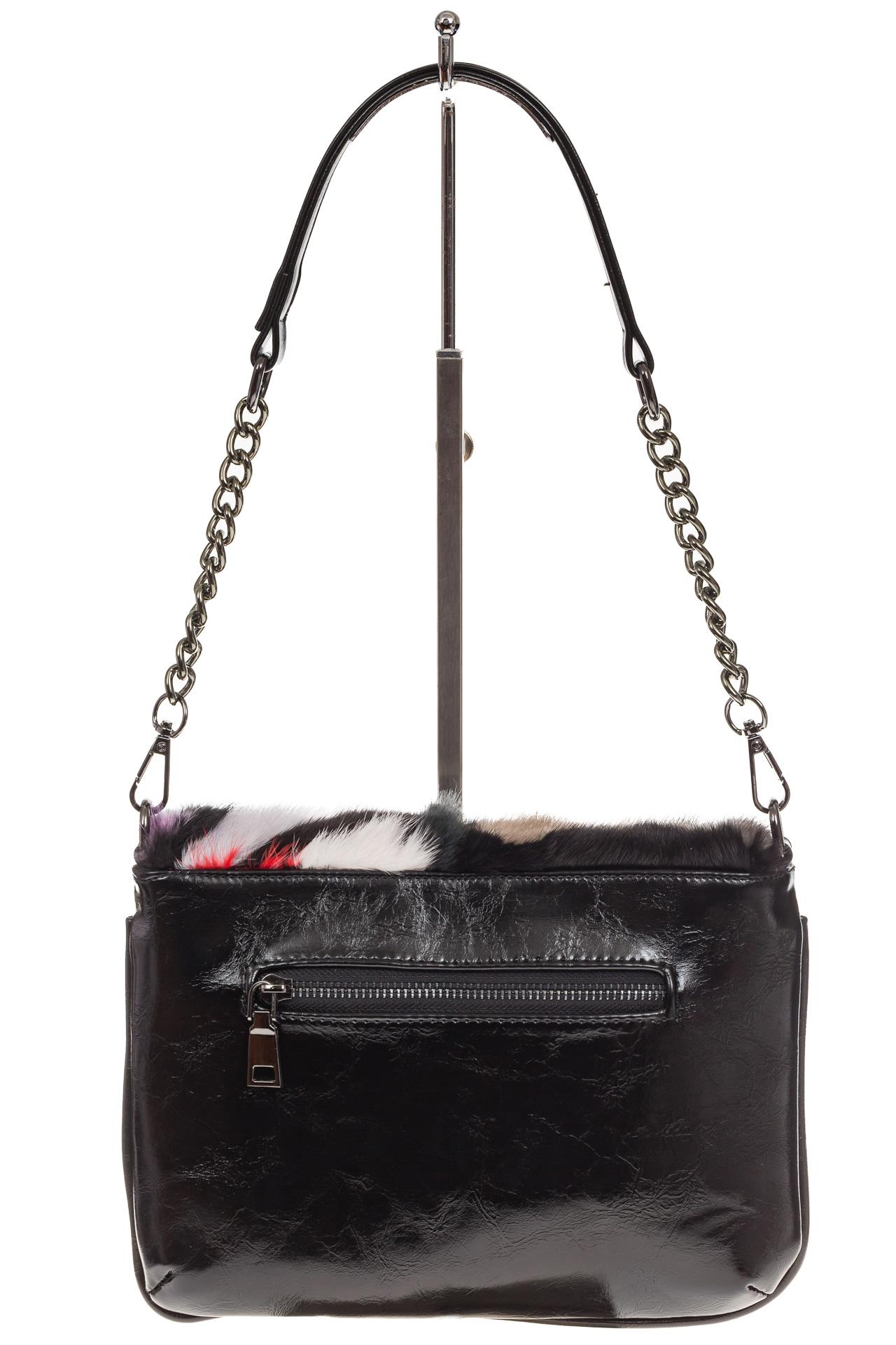 На фото 3 - Женская сумка flap из натурального меха, малиновый мультицвет