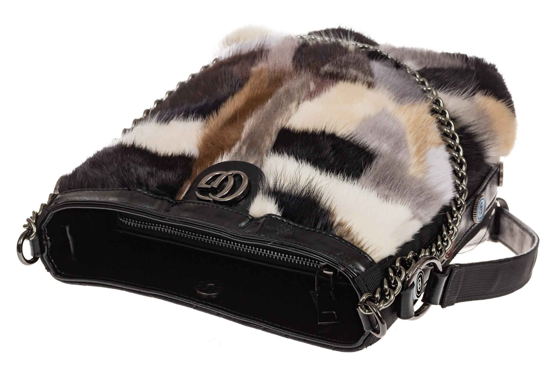 На фото 4 - Женская сумка из натурального меха, шоппер бежевый мультицвет