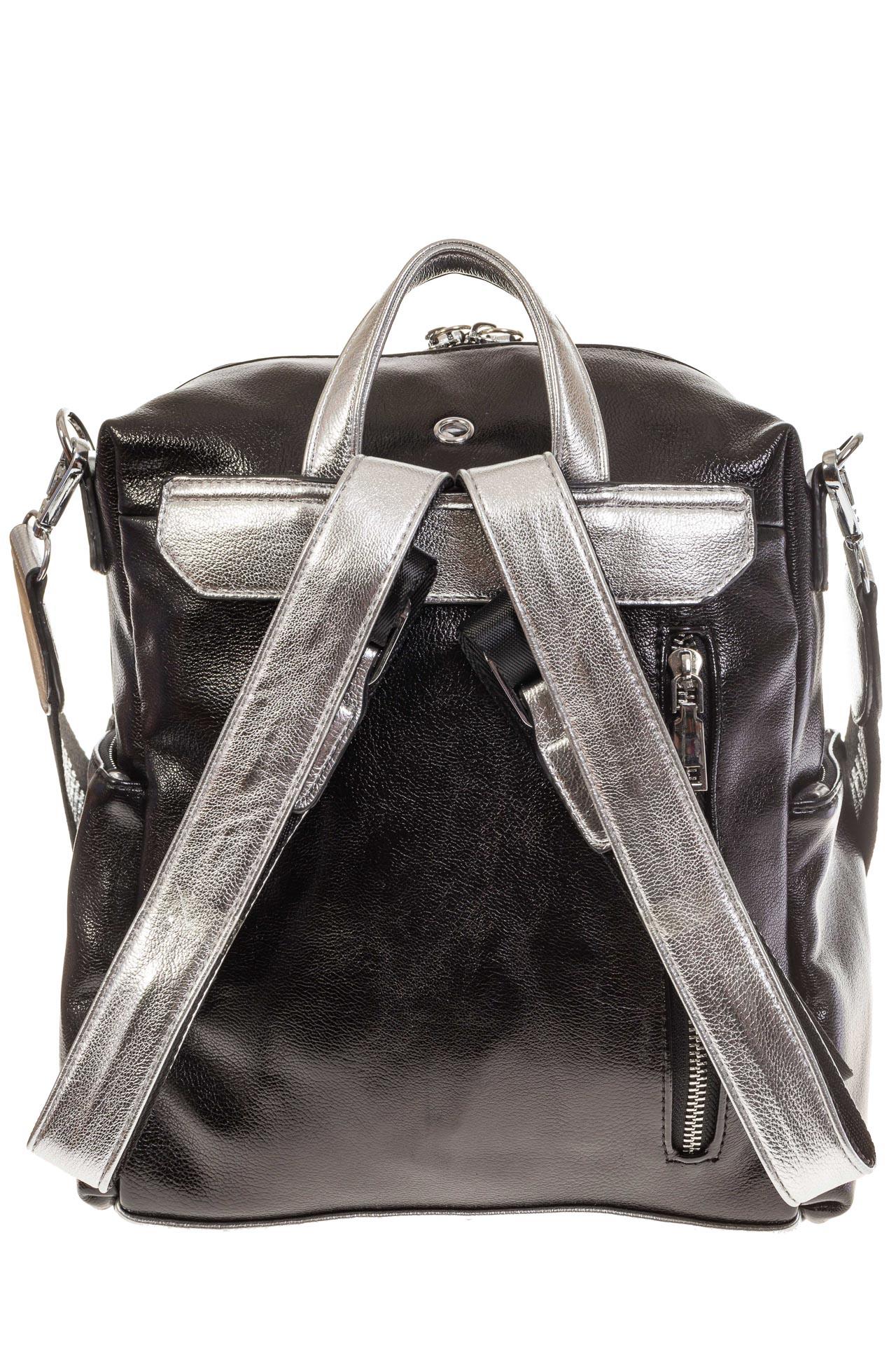 На фото 3 - Рюкзак в стиле рок-н-рол из искусственной кожи, цвет черный с серебром