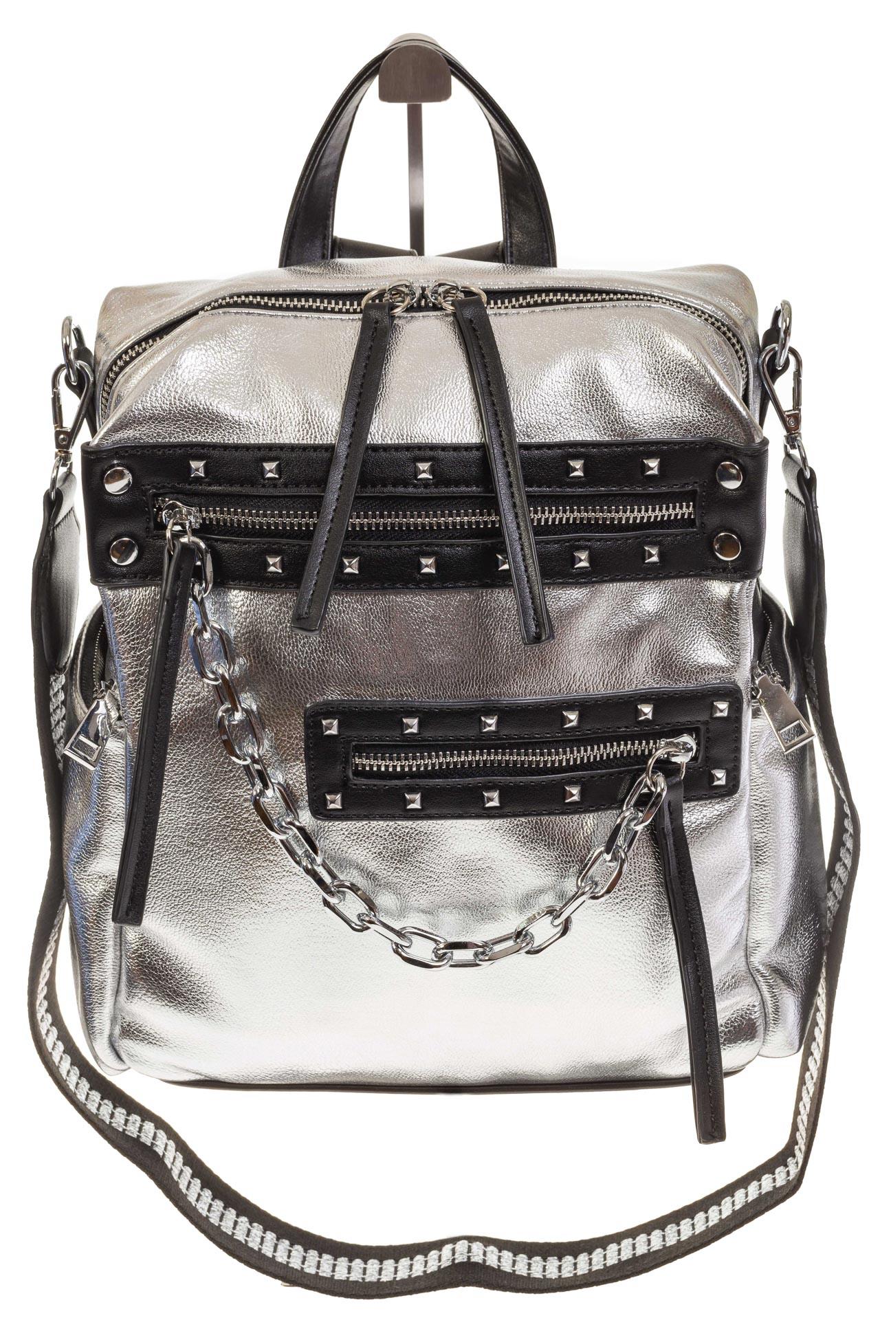 На фото 2 - Рюкзак в стиле рок-н-рол из искусственной кожи, цвет серебро с черным