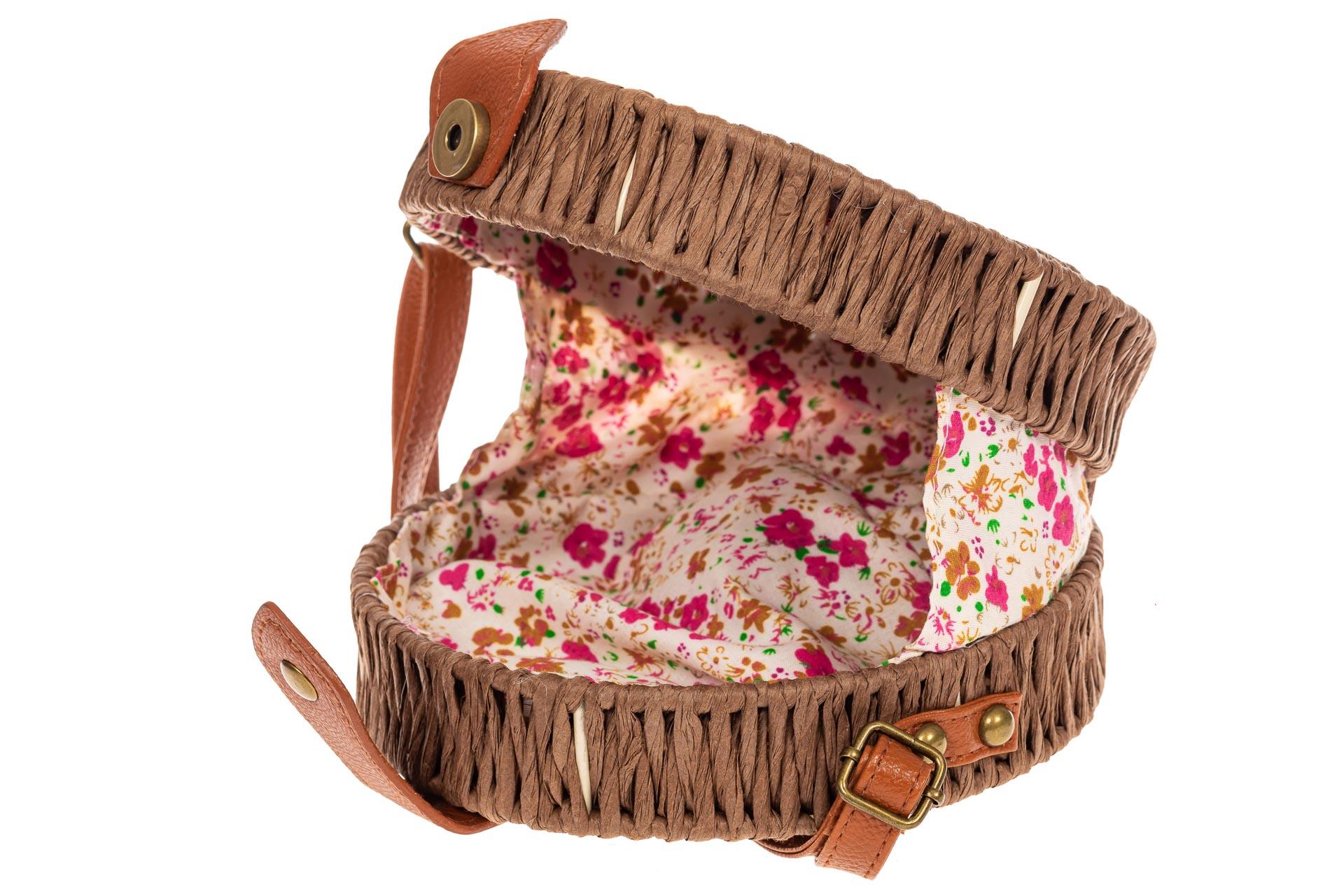 На фото 5 - Круглая сумка-коробочка из ротанга, цвет коричневый