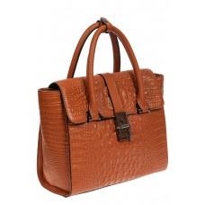 На фото 1 - Женская кожаная сумка с фактурой крокодила и подвеской, цвет рыжий