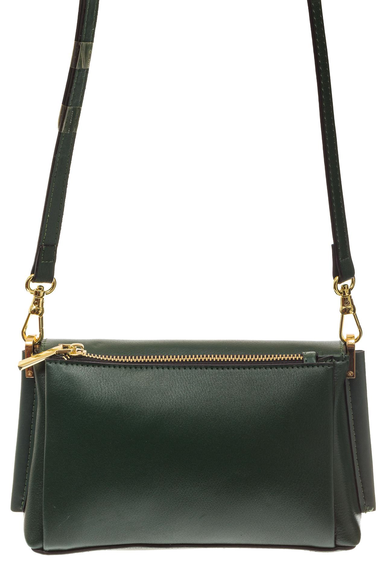 На фото 3 - Зеленая сумка-багет из натуральной кожи
