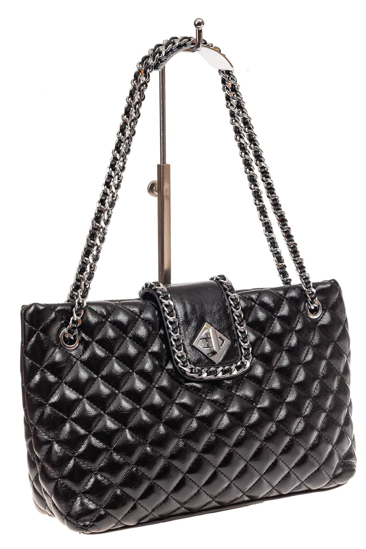 На фото 1 - Стеганая сумка женская из искусственной кожи, цвет черный
