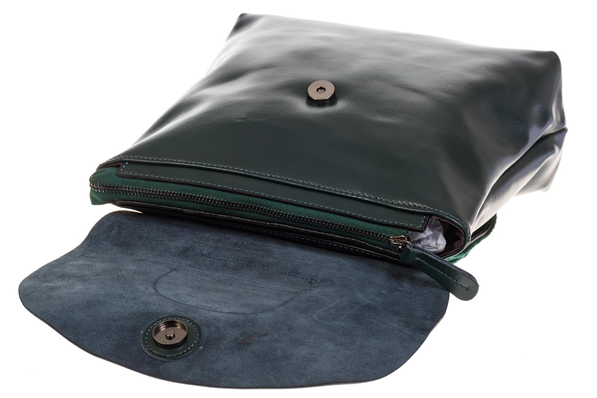 На фото 4 - Темно-зеленый рюкзак – трансформер из натуральной кожи 8892