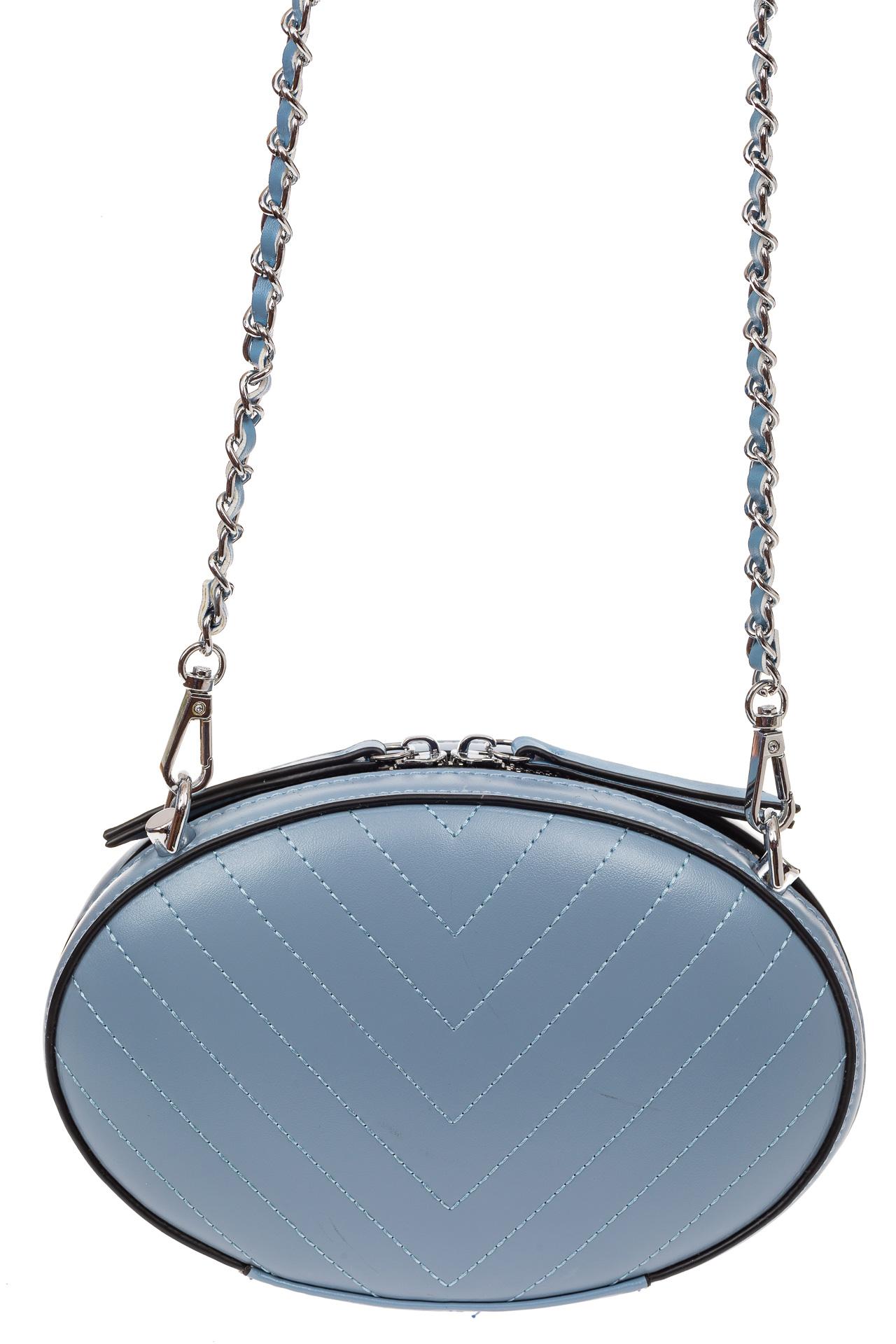 На фото 2 - Плоская овальная сумка из натуральной кожи, цвет голубой