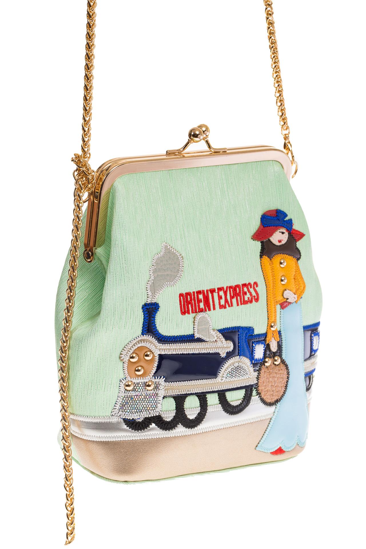 На фото Frame bag для женщин, цвет основы – фисташковый, материал – эко-кожа, купить оптом в магазине Грета