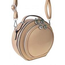 На фото 1 - Круглая женская сумка из экокожи, цвет бежевый
