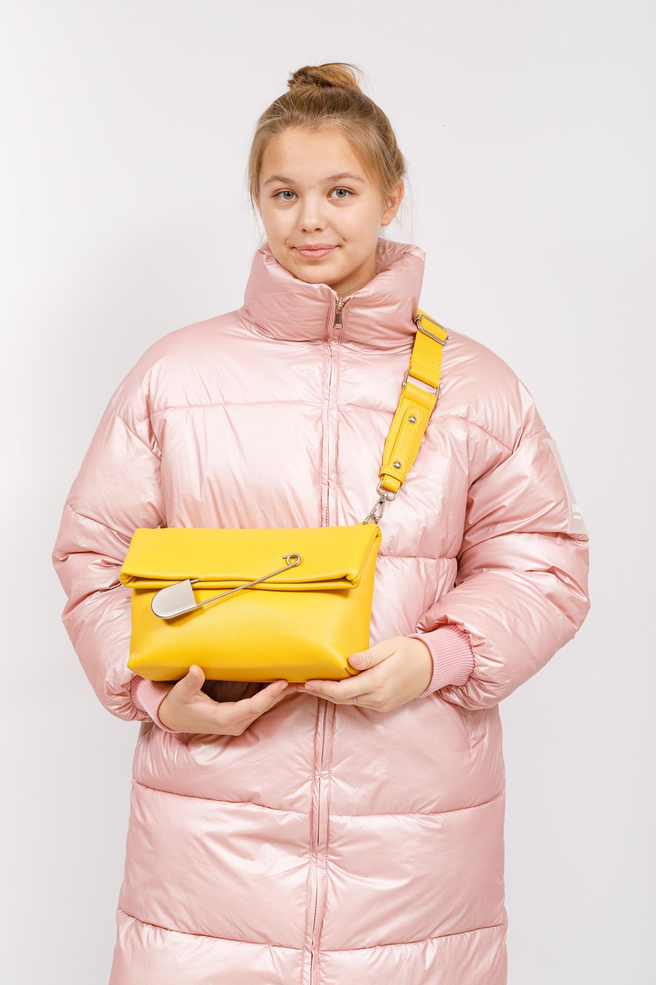 На фото 5 - Сумка-клатч женский из искусственной кожи, цвет желтый