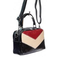 На фото 1 - Женская сумка кросс-боди из искусственной кожи, цвет чёрный с красным и молочным