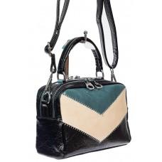 На фото 1 - Женская сумка кросс-боди из искусственной кожи, цвет чёрный с бирюзовым и молочным
