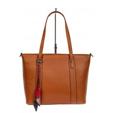 На фото 2 - Кожаная женская сумка тоут с разноцветными подвесками, рыжая