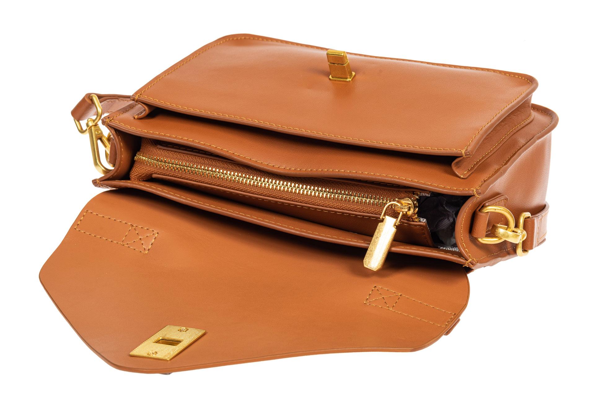 На фото 4 - Женская сумка-почтальонка из натуральной кожи, цвет рыжий