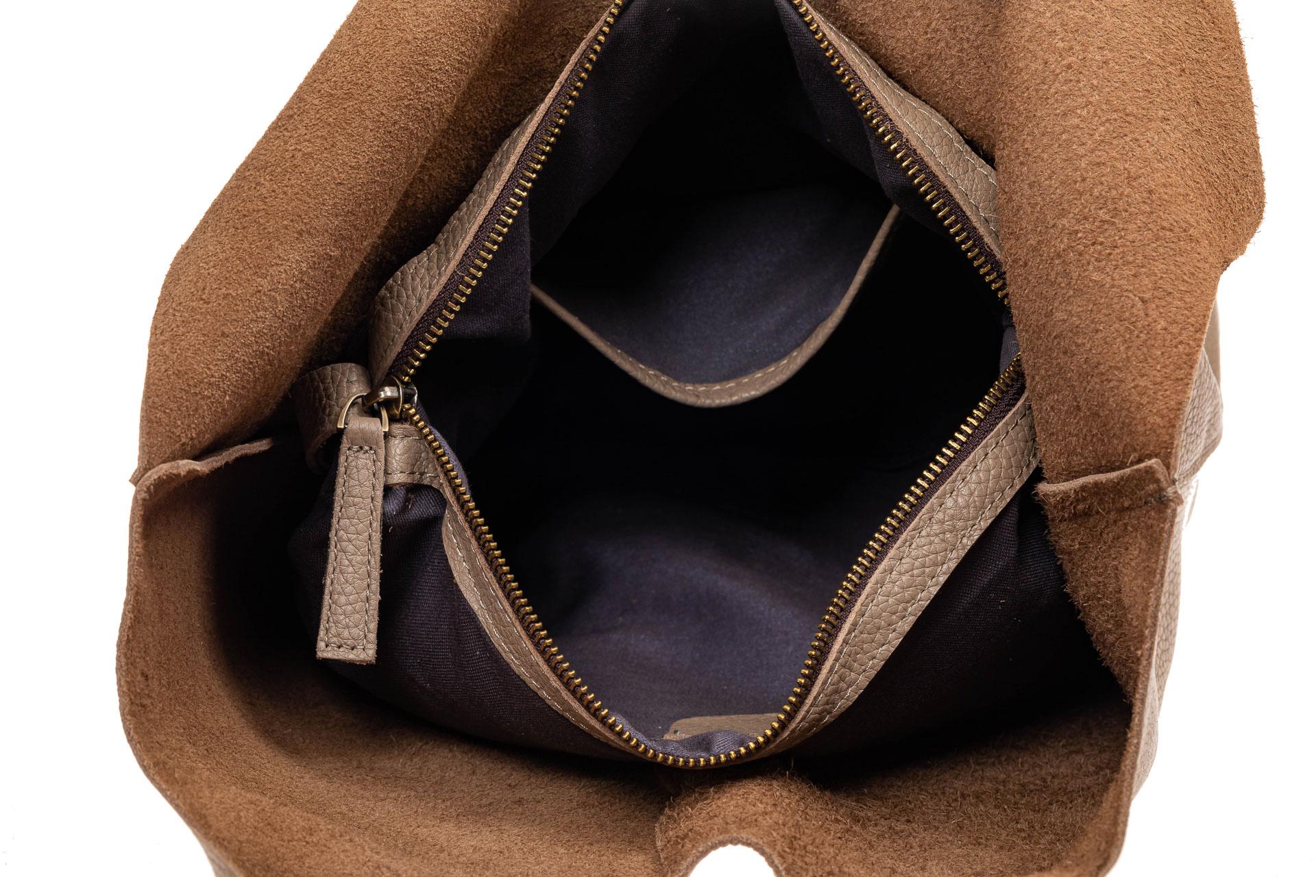 На фото 4 - Сумка женская, мешок из натуральной кожи, цвет зеленый