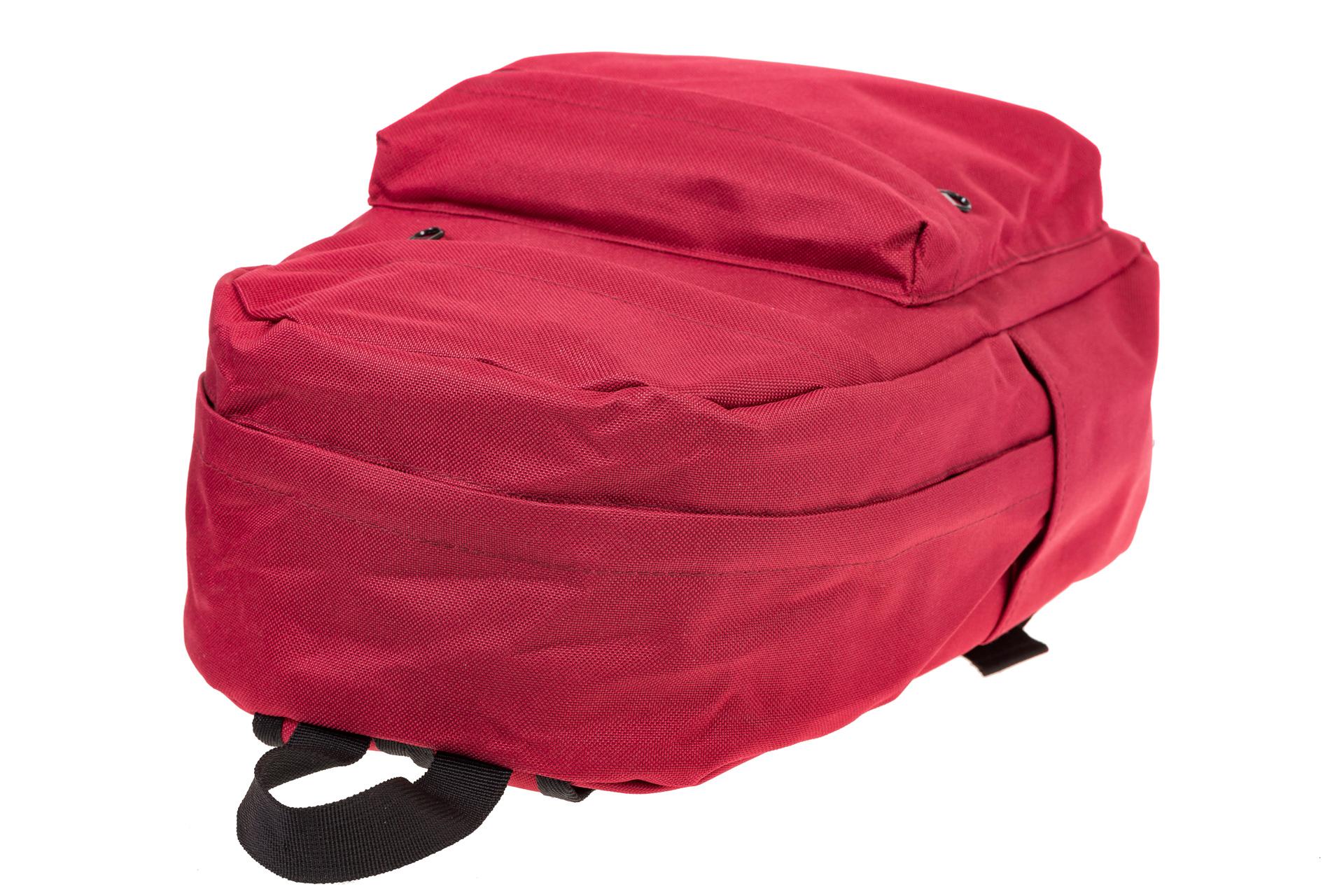 На фото 4 - Простой рюкзак из текстиля, цвет – красный