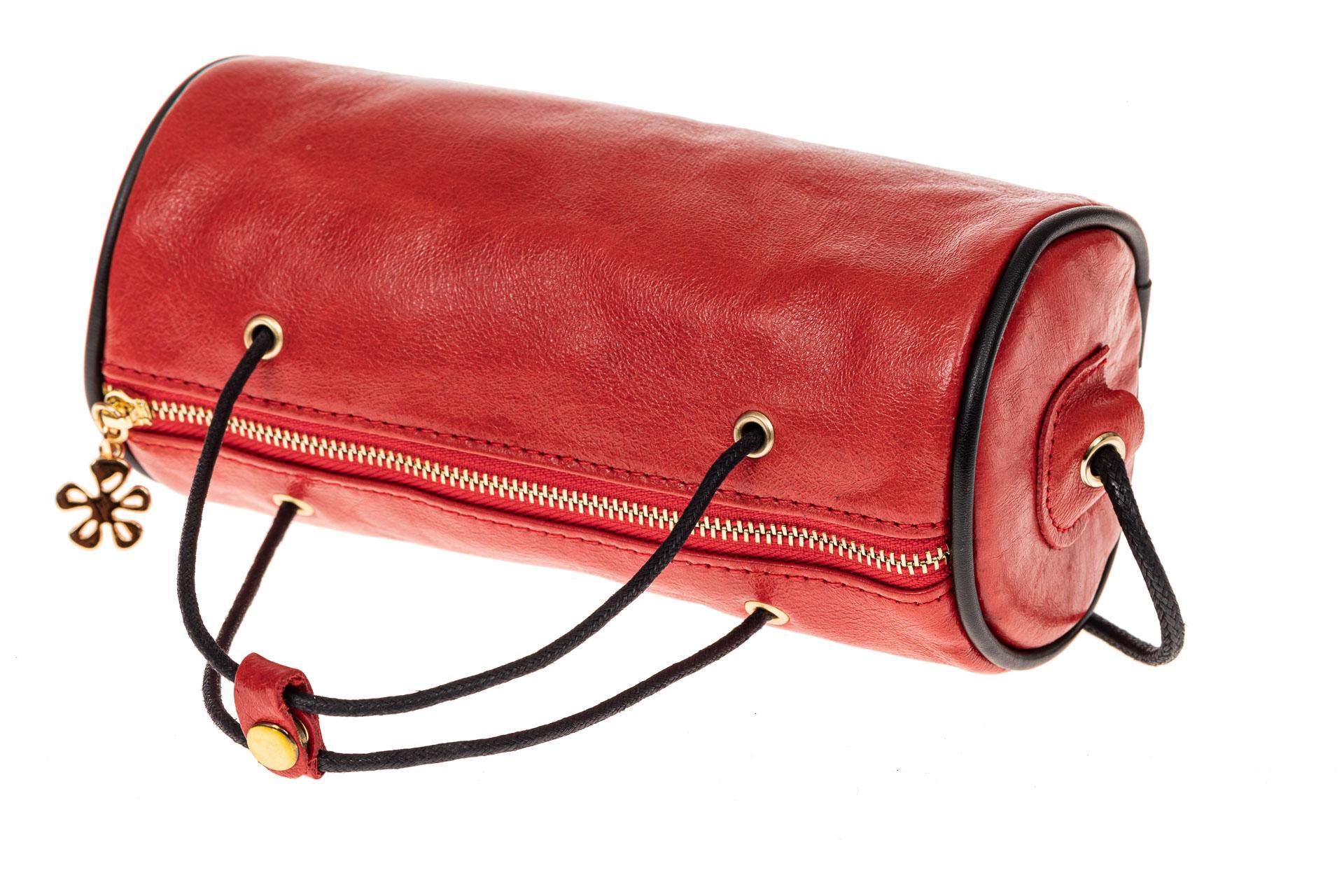 На фото 3 - Сумка-цилиндр из натуральной кожи, цвет красный