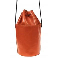 На фото 2 - Эффектная мини-торба из натуральной кожи, цвет оранжевый