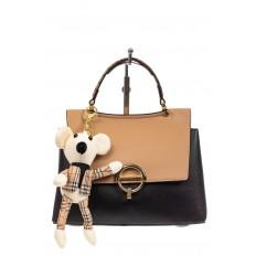 На фото 2 - Классическая сумка-трапеция из кожзама, цвет черный с бежевым