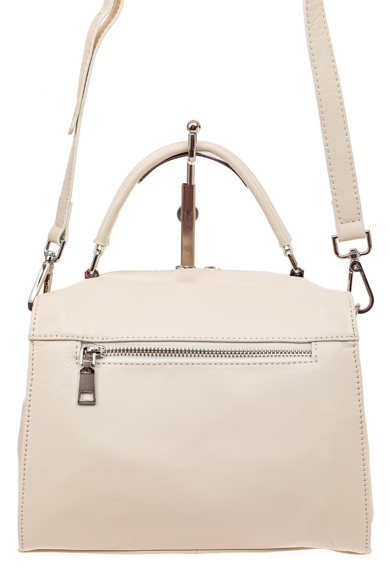 На фото 2 - Мягкая сумка-коробочка из натуральной кожи, цвет белый