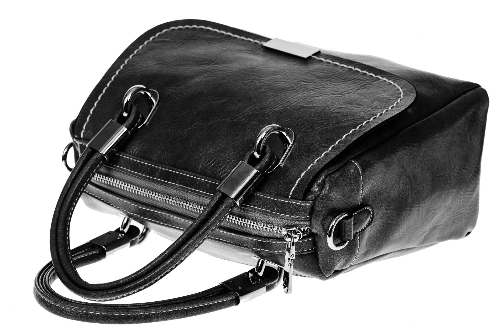 На фото 3 - Летняя женская сумка из искусственной кожи, цвет черный
