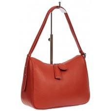На фото 1 - Женская сумка-седло из фактурной натуральной кожи с подвесками, цвет кирпичный