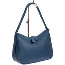 На фото 1 - Женская сумка-седло из фактурной натуральной кожи с подвесками, цвет синий