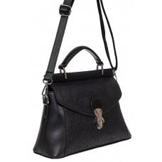 На фото 1 - Женская сумка из экокожи с ажурным цветочным принтом, цвет чёрный