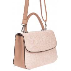 На фото 1 - Небольшая женская сумка из экокожи с ажурным цветочным принтом, пудровая