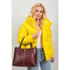 На фото 1 - Класическая женская сумка из гладкой экокожи, цвет бордо
