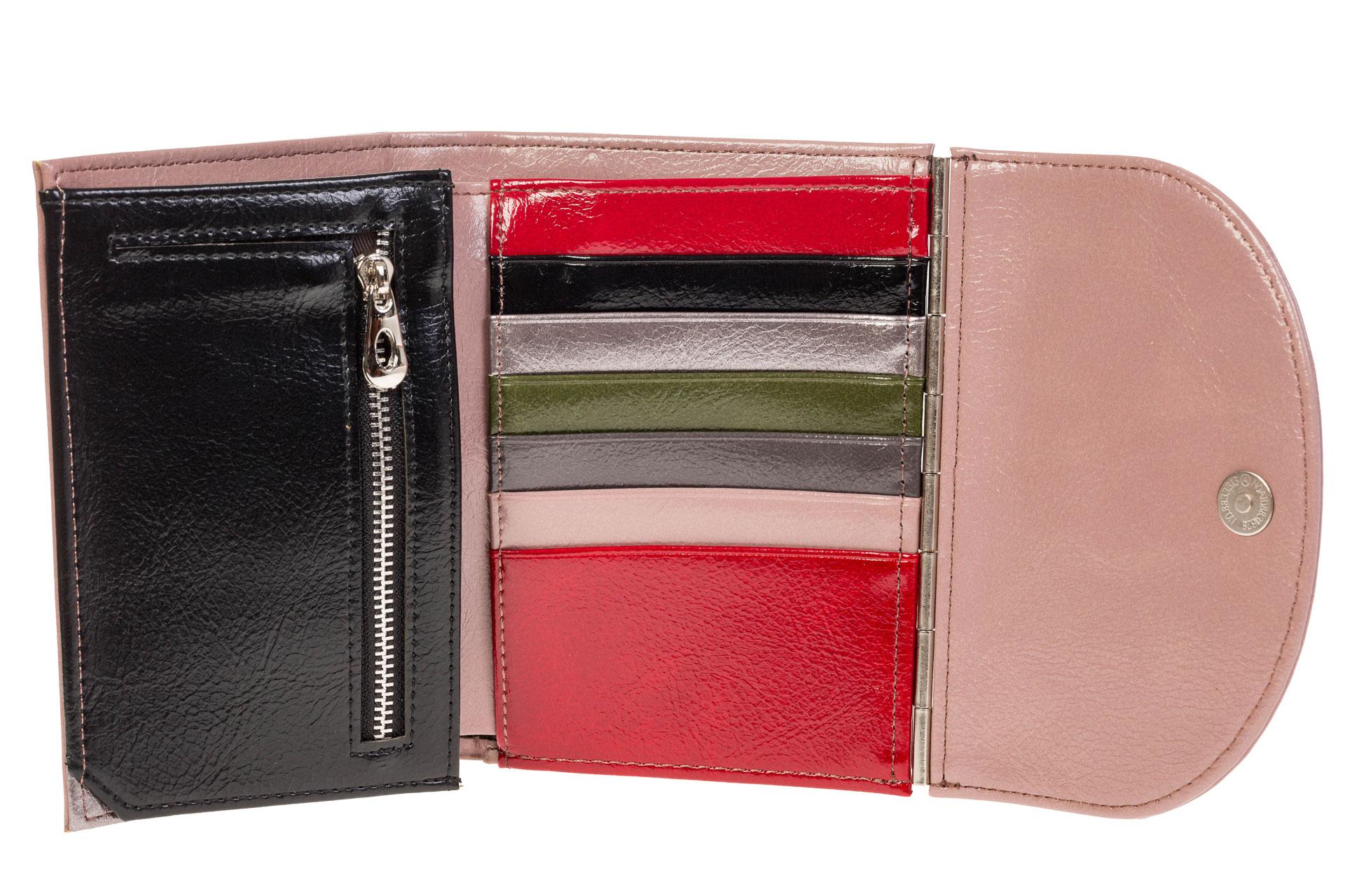 На фото 2 - Женский кошелек из искусственной кожи розового цвета