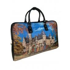 На фото 1 - Дорожная женская сумка из экокожи с принтом, мультицвет