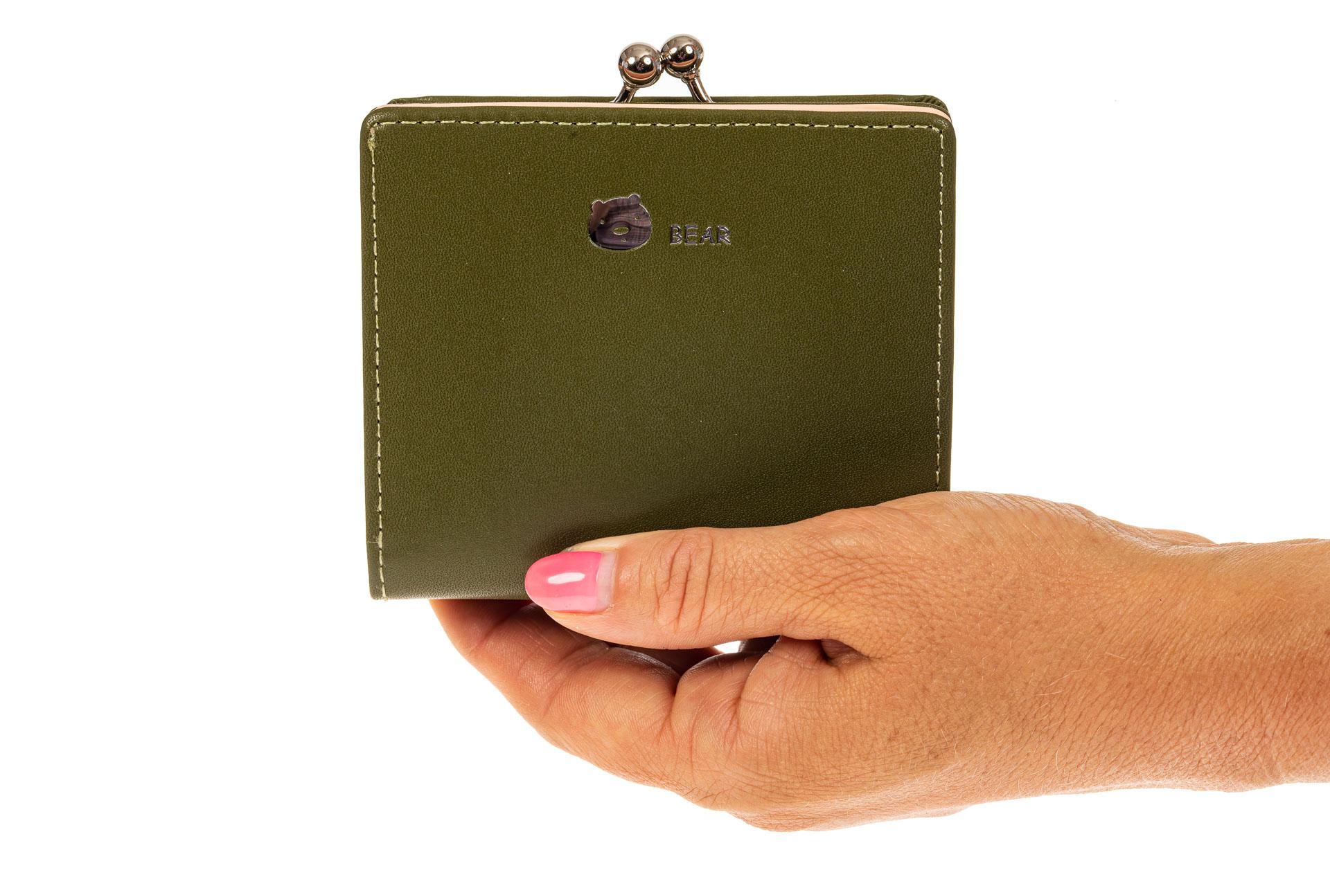 На фото 3 - Кошелек-портмоне из искусственной кожи, цвет зеленый