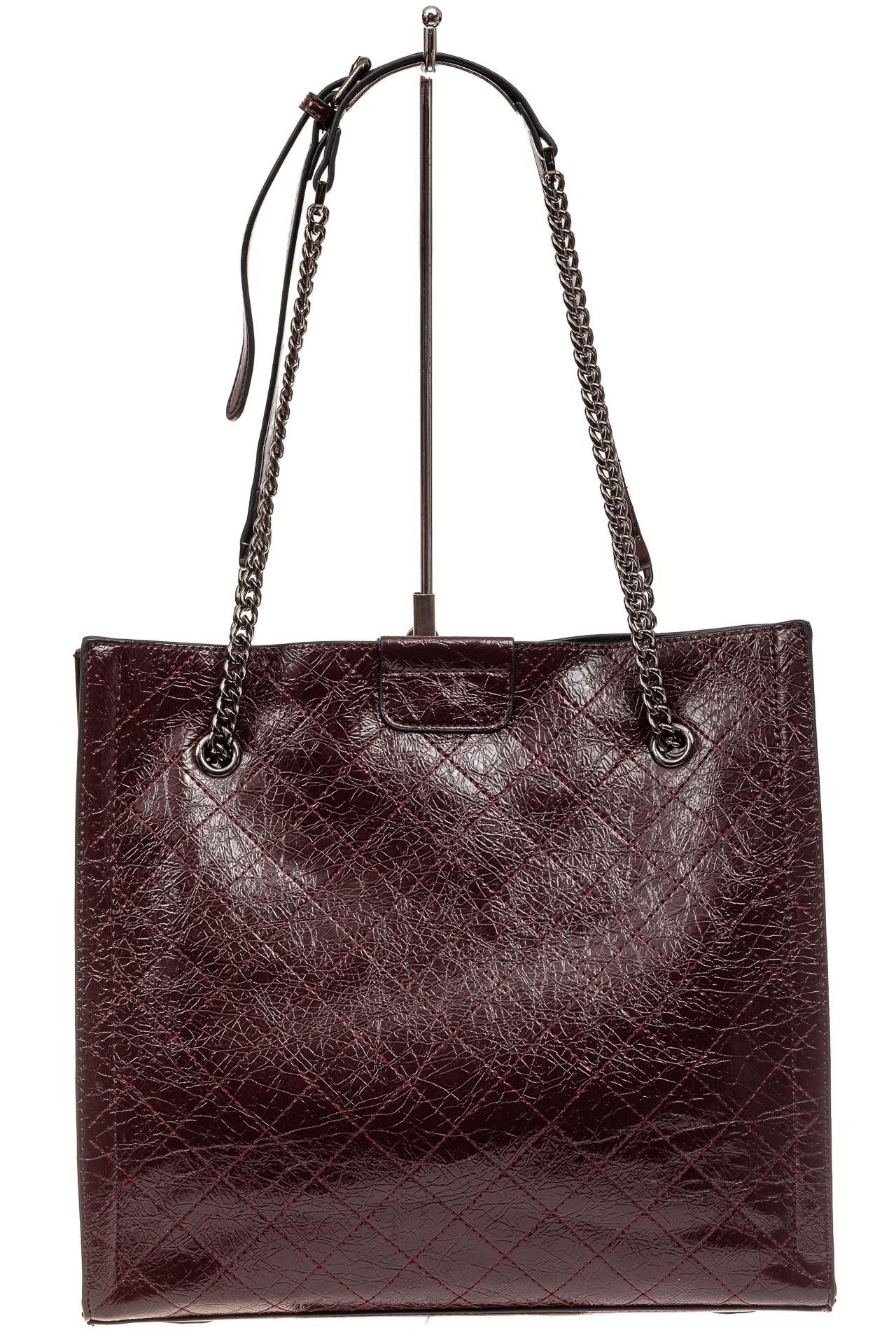 На фото 3 - Стеганая женская сумка из искусственной кожи, цвет баклажан