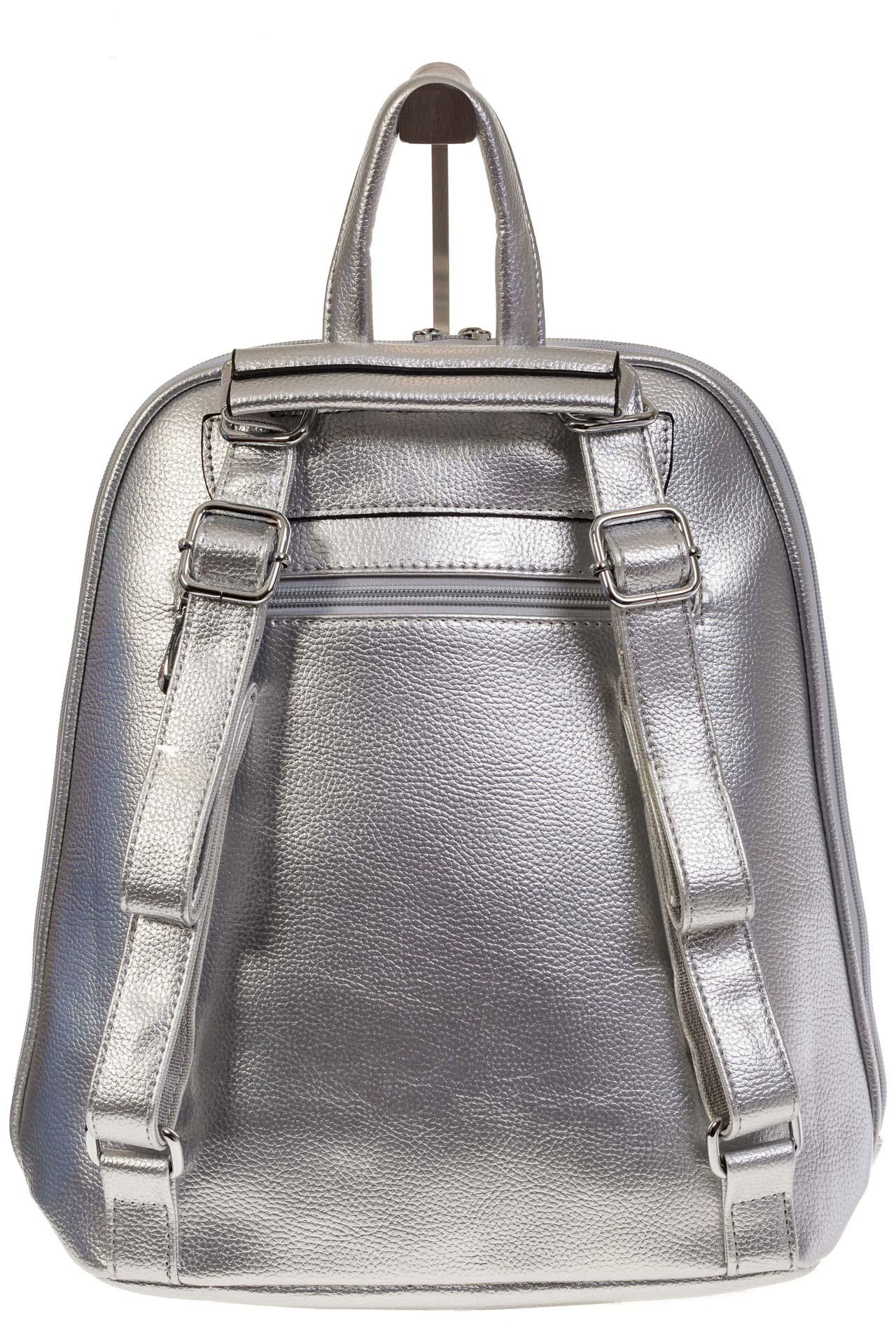 На фото 3 - Лаконичный рюкзак из искусственной кожи серебристого цвета